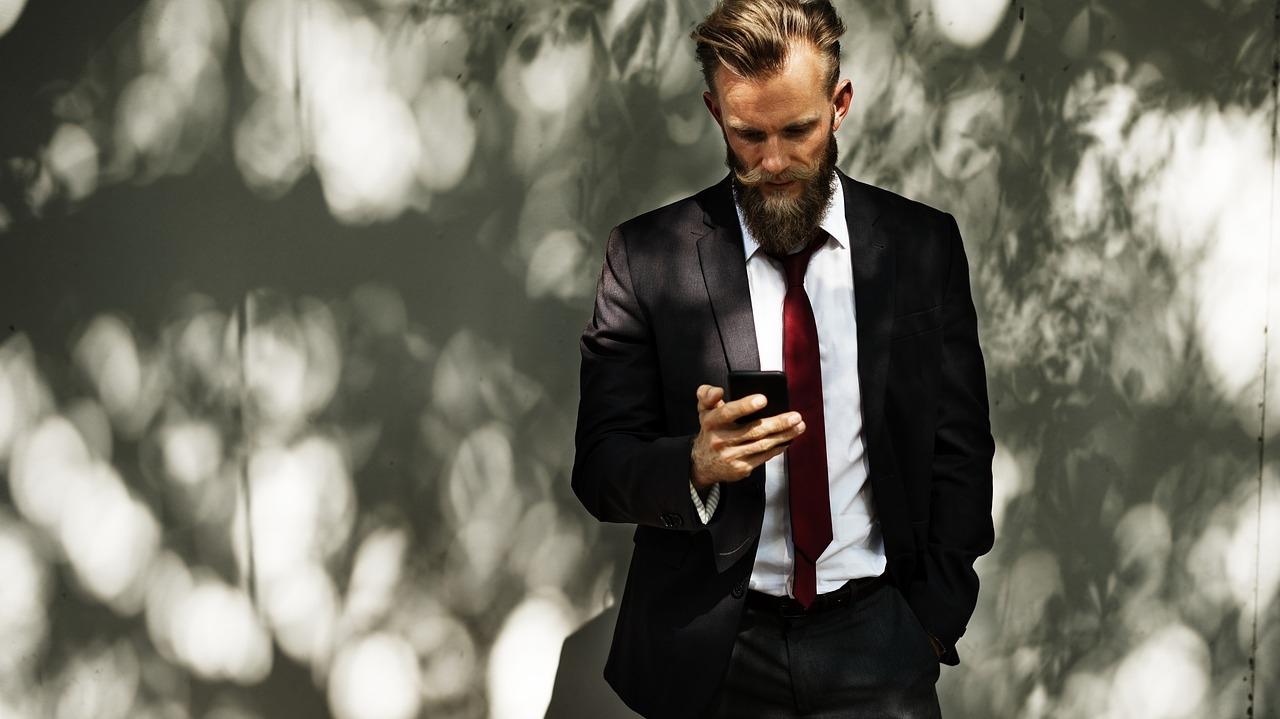 サラリーマンをやりながら起業する方法