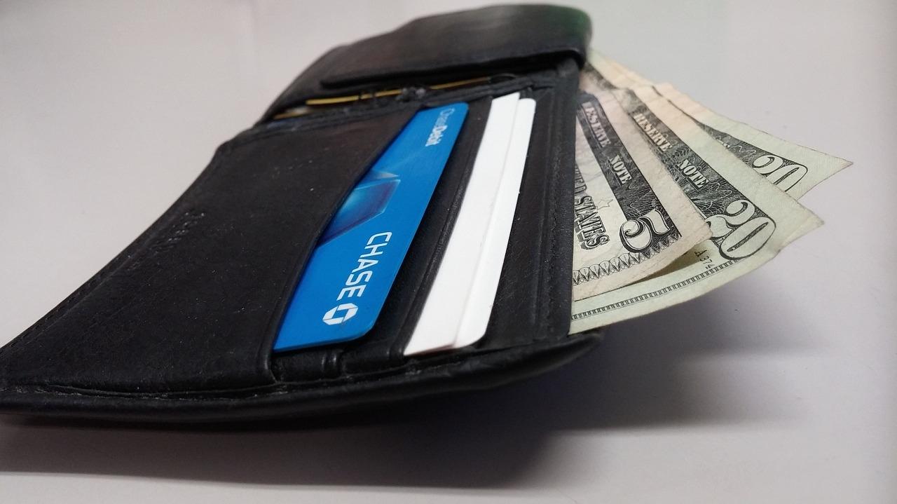 お金持ちは財布を持たないってホント?